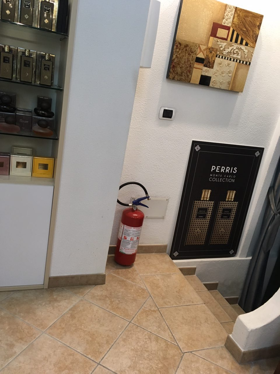 extinguishers, fire extinguishers, stores extinguishers, fire safety in shops