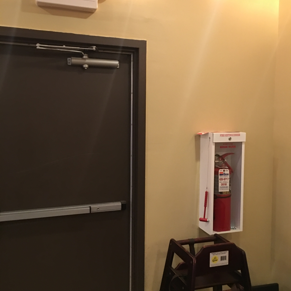 baby extinguisher, extinguisher in restaurants
